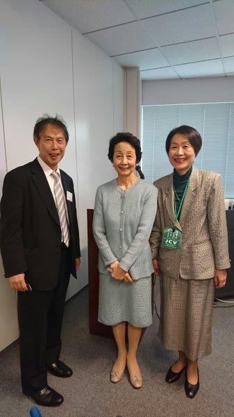 理事長の細川 佳代子さん、事務局長の伊藤 光子さんと